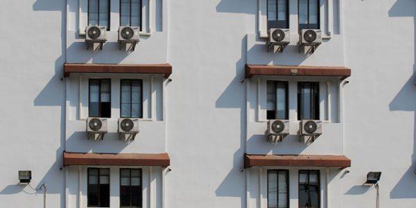 Jak prawidłowo wykonać montaż klimatyzacji?